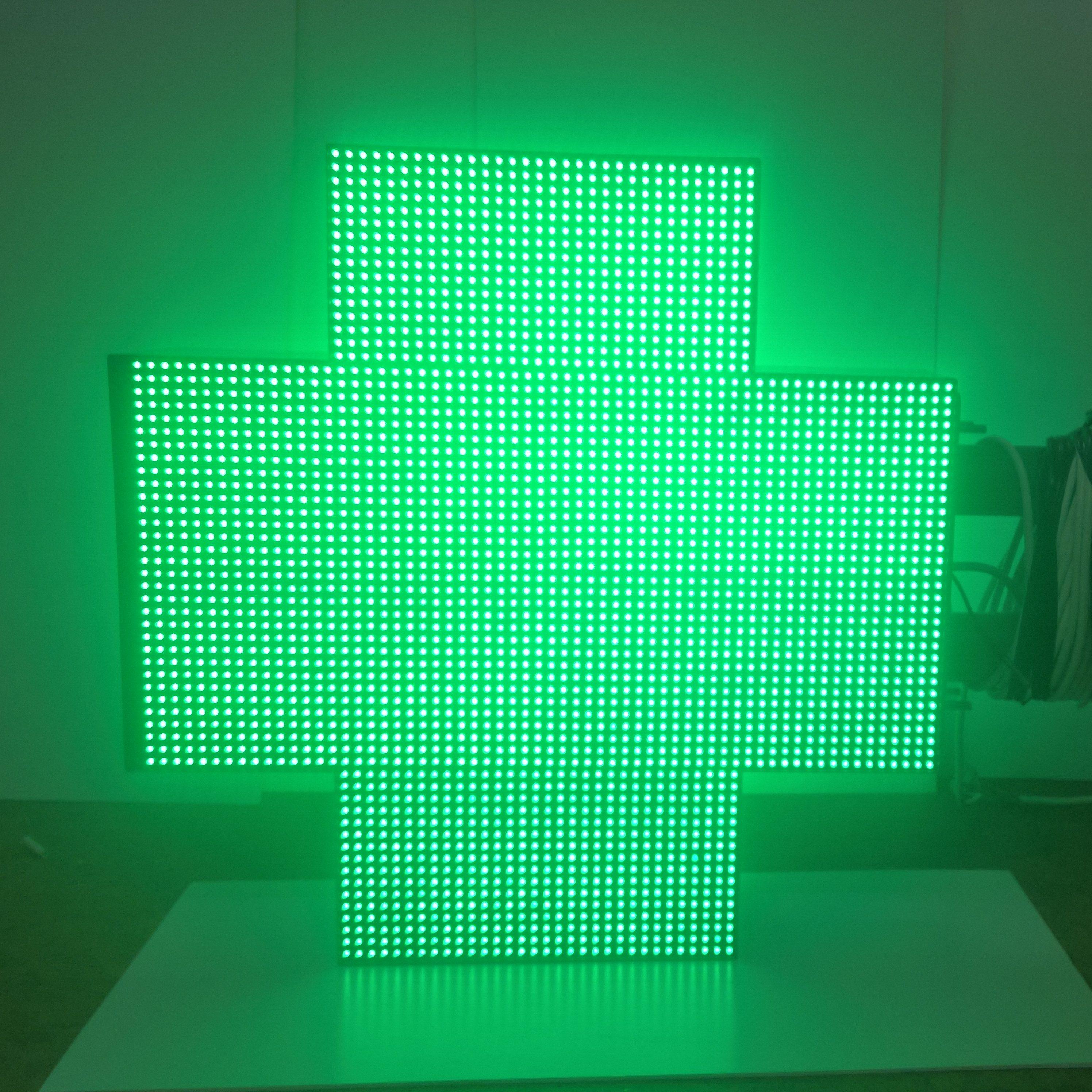 Диодный аптечный крест